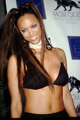 TYRA BANKS vintage celebrity 35mm slide Ht9