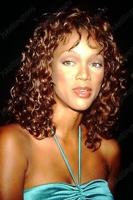 TYRA BANKS vintage celebrity 35mm slide Ht20