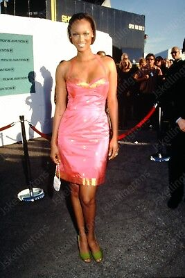 TYRA BANKS vintage celebrity 35mm slide Hu5
