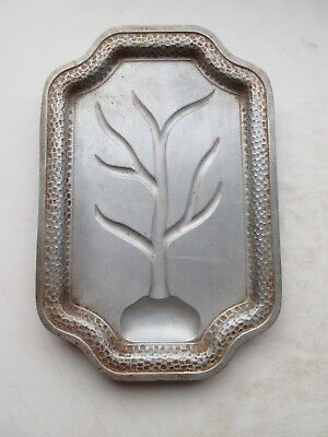 """Griswold No. A 2190 Family Tree Platter - 11 3/4"""" By 7 7/8"""" - Aluminum - Vintage"""
