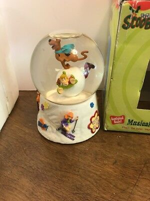 Scooby Doo Musical Waterball Hungarian Dance No. 5 Water Snow Globe