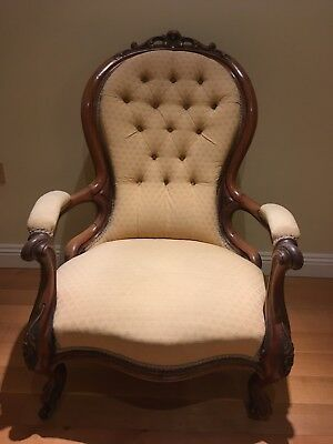 Victorian Walnut Button-back Armchair