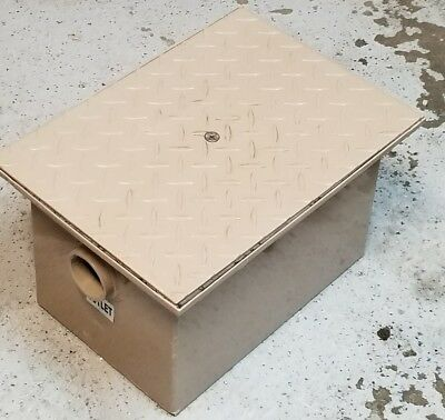 Rockford Seperator RP4  Commerical Grease Trap Capacity 8lb. 4 gpm