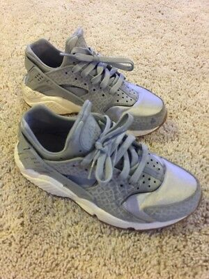 0a50a91da87b NIKE AIR HUARACHE RUN PREMIUM WOMEN S RUNNING SHOES GREY 683818-012 Size 6.5