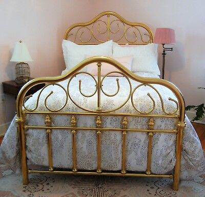 Beautiful Vintage Solid Brass Bed Double/full: Head & Foot Boards; Pick Up Only