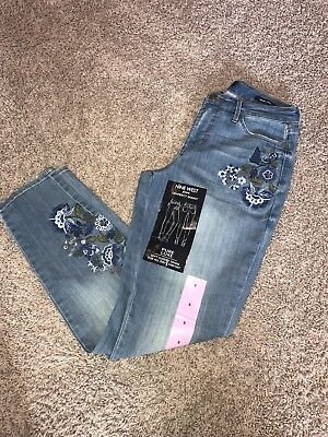 Nine West Size 6 Embroidered Gramercy Skinny Jeans. NWT. Pure Luxe