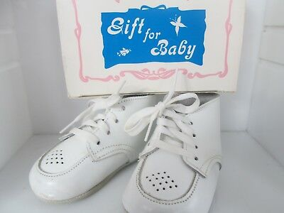 Vintage Baby White Soft Leather Infant Shoes size 3 Fleet-Air