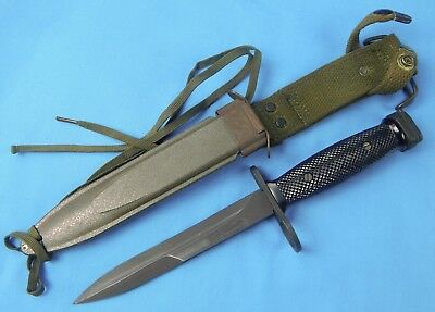 Vintage US Vietnam Era Colt M7 Bayonet Fighting Knife w/ Scabbard *