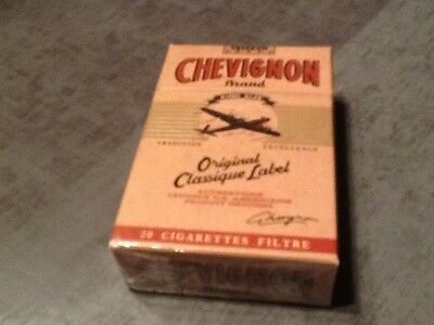 "ancien Paquet de cigarette plein""chevignon""pour collection uniquement"