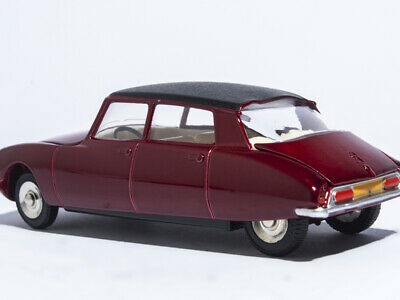 1/43 CAR MODEL Atlas Dinky Toys 530 Citroen DS 23 1:43 RED DIE-CAST COLLECTION