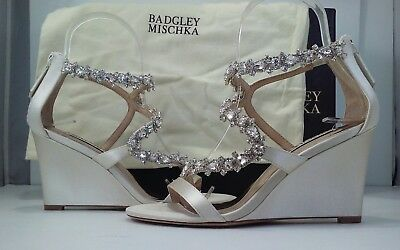 Badgley Mischka Bennet Women's Ivory Satin Wedge Sandal Heel Size US 5 M