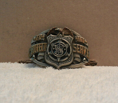 Belt Buckle Vintage SMITH & WESSON TO PROTECT AND SERVE USA Collector