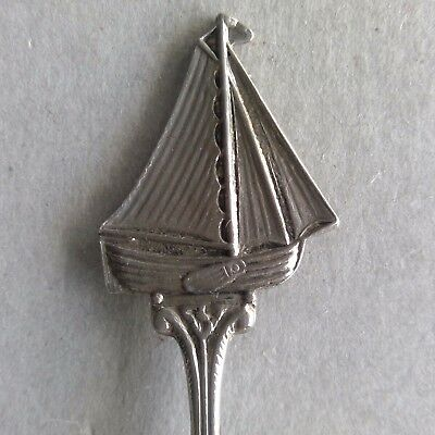 Holland Dutch Flair Silverplated Souvenir Spoon Teaspoon (T103)