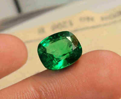 5.70 CT Natural Zambian Lustrous Green Emerald Certified For Engagement Ring