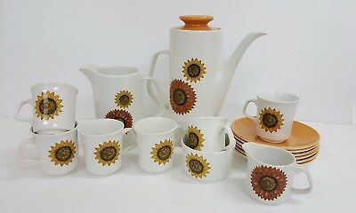 16 Piece Studio J&G Makin Sunflower Coffee Pot and Cups Set (S24_686)