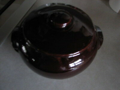 NICE  USA Vintage Mid-Century Stoneware Bean Pot with Lid  Brown