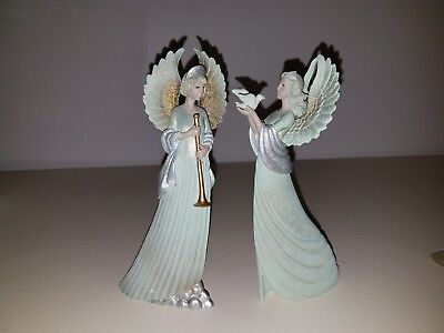 Angel figurine set