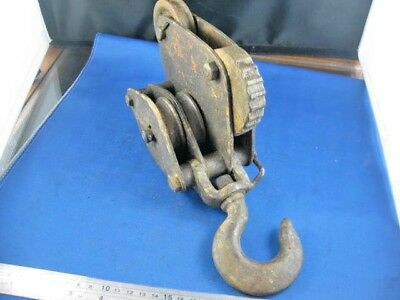 VINTAGE Rustic  Industrial  Metal  QUADRUPLE  PULLEY