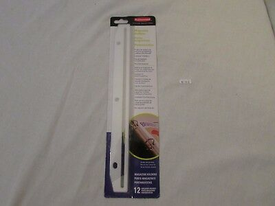 Rubbermaid 3-Hole Punched Plastic Edge Strip Magazine Holders for Ring - T02802