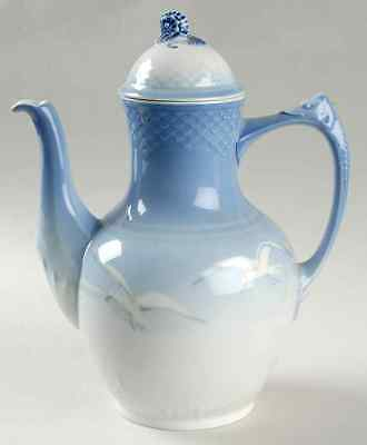 Coffee Pot & Lid No Gold Seagull byBING & GRONDAHL  Size:7 3/4 in