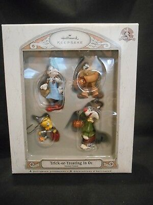 Hallmark Trick-Or-Treating In Oz - 4 Looney Tunes Halloween Ornaments