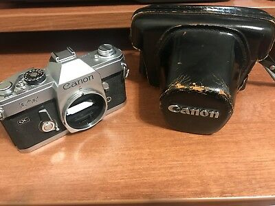 Canon FT QL Vintage 35mm Film SLR Camera w/ Leather Carrying Case