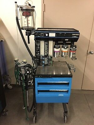 Narcomed 2A Anesthesia Machine
