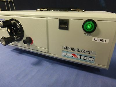 Luxtec 9300XSP / Integra XENON SURGICAL LIGHT SOURCE WITH HEADLIGHT