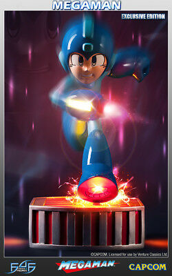 Running Megaman Polystone Statue Exclusive Edition