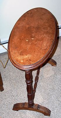 ANTIQUE - OCCASIONAL TABLE SMALL OVAL - Mahogany or Walnut