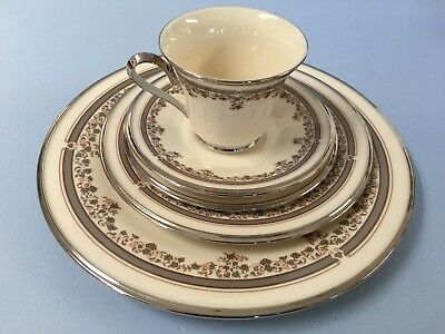 """Lenox """"Lace Point"""" Chine 5 Pc. Place Setting"""