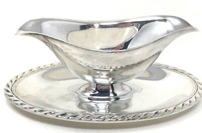WM Rogers Star Silver Plate Gravy Boat w/ Attached Underplate w/ Roped Edging