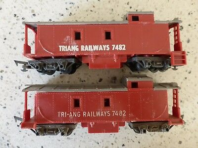 Triang Tri-ang 2 x R115 Caboose - Red