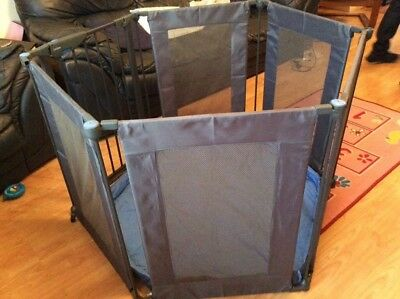 Lindam Safe and Secure Fabric Mesh Playpen / Room Divider Excellent Condition
