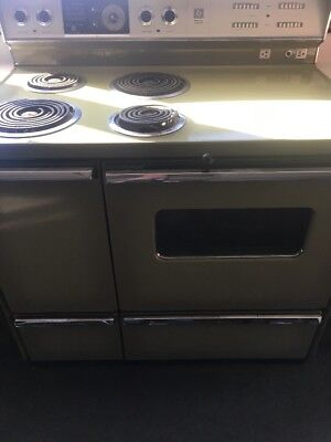 1950's Vintage Stove GE P7 Vintage General Electric Green For Restoration