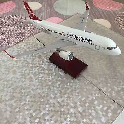 Maquette Airbus A320 Turkish airlines Scale 1/100 Corporate Collectors Model