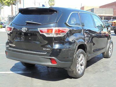 2015 Toyota Highlander LE AWD V6 Back Up Camera, Leather, Third Row Seat 2015 Toyota Highlander LE AWD Wrecked, Repairable, Perfect Family SUV Must See!!