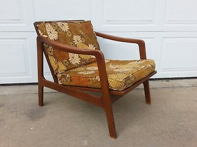 Mid Century Modern Danish Style Lounge Chair Vintage Wood Retro PICK UP ONLY