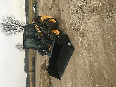 2011 New Holland Skid Steer Loader L218
