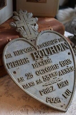 An Antique FRENCH HEART SHAPE Metal MEMORIAL PLAQUE Dated 1903