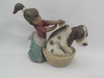 ADORABLE  Lladro *Bashful BATHER* -  RARE Gres model 2273  Rtrd - MINT!