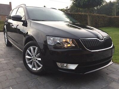 Skoda Octavia 1.6 CR TDi Ambition. Gps/ Bluetooth/ Radar Av/Arr Etc.....