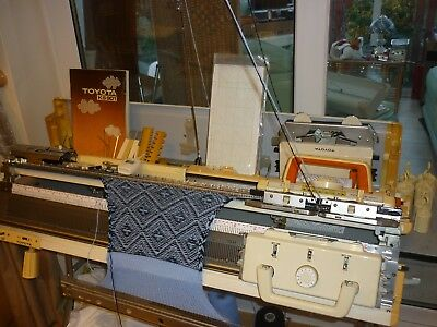 Toyota 901 Knitting Machine & Ribber