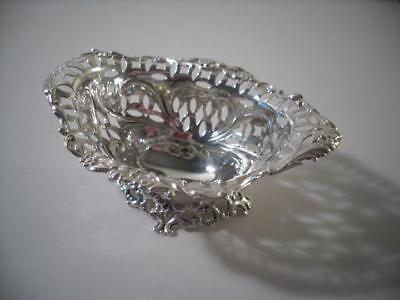 A Small Good Quality Navette Form Antique Silver Bon Bon / Nut Dish: London 1893