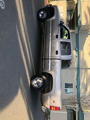 2002 GMC Other SLE 2002 SIERRA 2500 HD 4 WD Crew Cab with VERY LOW MILEAGE, only 119000k miles!!