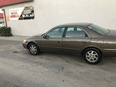 1999 Toyota Camry Sedan Toyota Camry 1999 ( GREAT TRANSPORTATION ) Solid Body , No Rust !