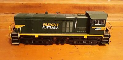 austrains Y174 freight australia livery suits auscision trainorama
