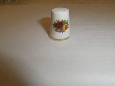 Old Country Roses Royal Albert Thimble Made In England