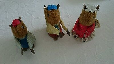 Fisher Price Vintage Woodsy Squirrel Family Finger Puppets