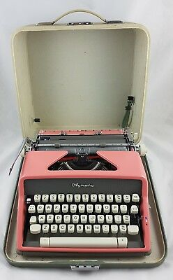 Vintage 1960's Olympia SM7 Typewriter Rare Pink Hardcase Made In Western Germany